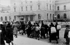 Forced deportation of Jews from Krakow 2