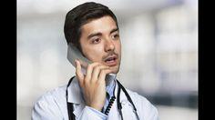 Typisch: länger als 20 Minuten Schmerzen-In den meisten Fällen macht sich der akute Herzinfarkt durch starke, länger als 20 Minuten anhaltende Schmerzen in der Brust bemerkbar. Die Schmerzen können auch in die Arme, in den Unterkiefer oder in den Oberbauch ausstrahlen. Wenn diese Symptome auftreten, müssen sofort Notfallmaßnahmen eingeleitet werden. Auch bei bloßem Verdacht sollte der Notarzt gerufen werden. Auf keinen Fall sollte der Patient selbst mit dem Auto ins Krankenhaus fahren, da…