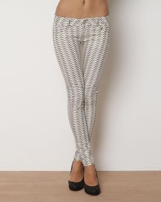 Product Name Romeo & Juliet Couture Printed Jeans at Modnique.com
