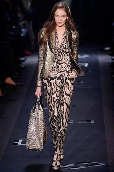 Diane Von Furstenberg Fall/Winter 2013 – New York fashion week New York Fashion, News Fashion, Fashion Mode, Look Fashion, Fashion Art, Runway Fashion, High Fashion, Fashion Show, Womens Fashion