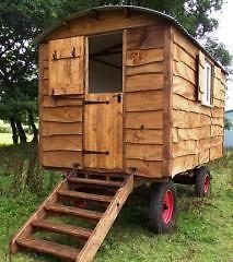 Shepherds huts construction photos gipsy wagon pinterest photos construction and galleries - The mobile shepherds wagon ...