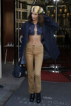 """""""January Bella out and about in Paris. Bella Hadid News, Bella Hadid Style, Mode Outfits, Casual Outfits, Fashion Outfits, Bella Hadid Outfits, Models Off Duty, 2000s Fashion, Look Cool"""