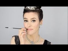 Lisa Eldridge - Audrey Hepburn - Breakfast at Tiffanys Inspired Make-up. For more tips and a list of products visit http://www.lisaeldridge.com/video/18342/audrey-hepburn-breakfast-at-tiffanys-inspired-make-up/ #Makeup #Beauty #Tutorial