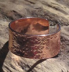This beautiful ring is hand forged from sheet copper. The ring band is quite wide at approx 1 cm and it comes gift packaged. Copper Rings, Copper Jewelry, Metal Shop, Copper Color, Jewelry Findings, Beautiful Rings, Band Rings, Earthy, Cuff Bracelets