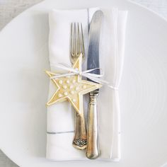 Love the star (Belgian Linen Cord Napkins - Christmas Table | The White Company)