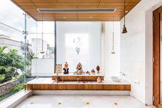 Bad Room Design, Home Room Design, Italian Interior Design, Apartment Interior Design, Temple Design For Home, Mandir Design, Pooja Room Door Design, Office Furniture Design, Bungalow House Design