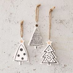 DIY star pendant with gold - tinker Christmas tree charm - . - DIY star pendant with gold – tinker Christmas tree charm – - Diy Star, Navidad Diy, Theme Noel, Noel Christmas, Simple Christmas, Minimal Christmas, Beautiful Christmas, White Christmas, Christmas Design
