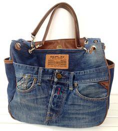 Jeans Bags - Most Beautiful Bag Models 2019 Diy Jeans, Jean Purses, Denim Purse, Denim Ideas, Diy Handbag, Boho Bags, Jeans Material, Recycled Denim, Quilted Bag