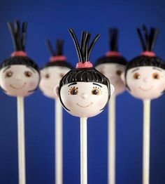 OMG these are Agnes cake pops!!!!!  I must make these!!!!  :)