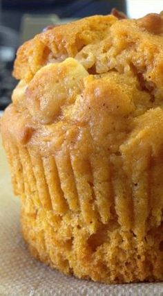 Butterscotch Pumpkin Muffins | pumpkin breakfast & dessert