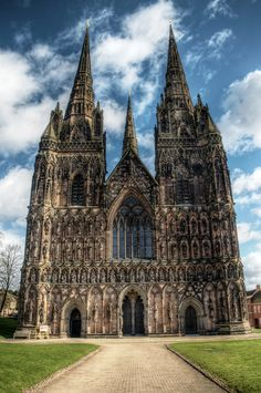 Built in 1195-1340, Litchfield Cathedral in Staffordshire, England, is the only Cathedral in England to have three spires.