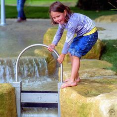 photos on the subject of water play Water Playground, Natural Playground, Outdoor Playground, Landscape Architecture, Landscape Design, Water Irrigation, Kids Play Area, Environment Design, Water Tank