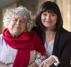Miriam Margolyes and Essie Davis 20s Fashion, Fashion Mode, Timeless Fashion, Best Mysteries, Murder Mysteries, Flapper Style, 1920s Flapper, Bbc Tv Shows, Crop Pictures