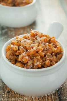 Personalized Graduation Gifts - Ideas To Pick Low Cost Graduation Offers Homemade Beefaroni. A Crowd-Pleasing And Super-Easy Homemade Beefaroni Recipe That Is Tasty And Frugal. Prepared Under 30 Minutes Beef Dishes, Pasta Dishes, Food Dishes, Main Dishes, Buffalo Chicken, Tasty, Yummy Food, Cupcakes, Al Dente