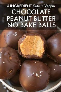 Keto Recipes 28765 An easy recipe for no bake chocolate peanut butter keto balls made with 4 ingredients and ready in 5 minutes! Peanut butter covered in sugar free and low carb chocolate! The perfect ketogenic and vegan dessert! Peanut Butter No Bake, Peanut Butter Protein, Peanut Butter Balls, Ketogenic Desserts, Keto Snacks, Ketogenic Diet, Ketogenic Cookbook, Low Carb Chocolate, Vegan Chocolate