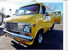 Chevy Vans, Chevy Chevrolet, Ram Van, Old School Vans, Gm Trucks, Custom Vans, Antique Cars, Buses, 70s Style