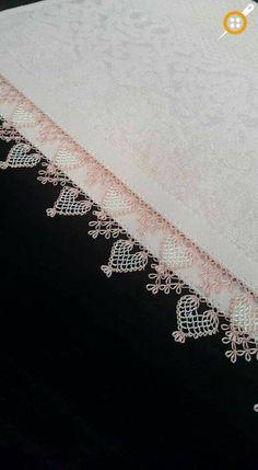 İki Renkli İğne Oyası Modelleri – En Yeni İki Renkli İğne Oyaları – Keep up with the times. Filet Crochet, Crochet Stitches, Baby Knitting Patterns, Crochet Patterns, Needle Lace, Needle And Thread, Simple Eyeshadow Tutorial, Crochet Unique, Lace Making