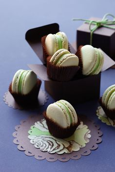 Mint macarons with white chocolate mint ganache