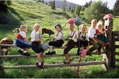 #Trachtenkinder in #Maedchendirndl und #Buben_Lederhosen http://www.pleamle-magazin.com/wp-content/uploads/2010/10/m04_reise_heu-life-im-erlebnisreich06.jpg