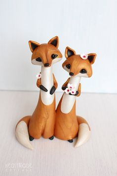 Heartmade Cottage products are sentimental keepsakes, little tokens of love, reminders of many wonderful moments to be cherished for a lifetime *Love Foxes* cake topper is hand sculpted in polymer clay with added pearl Mica mineral powders for subtle shine and elegant marble effect.
