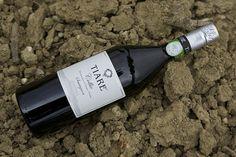Tiare - Dolegna del Collio (Go) è il il miglior Sauvignon del mondo. Wine And Beer, Drinks, Bottle, Wineries, Cheese, Tourism, Art, Drinking, Beverages