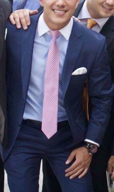 7 Best Navy Blue Suit Combinations Images Man Style Bow Tie Suit