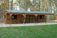 Amish Built Garages, Garden Sheds, Utility Buildings, & Small Barns in Lancaster, PA Horse Shelter, Horse Stables, Horse Farms, Small Horse Barns, Horse Barn Designs, Horse Barn Plans, Run In Shed, Farm Barn, Tallit