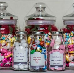 Do you want something different to give to your employees? Our Sweet jars are the perfect present for you then! You can customise them how you like!