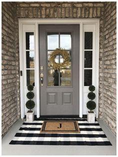 farmhouse front door entrance design ideas tips on selecting your front doors 30 60 Farmhouse Fr Front Door Porch, Front Door Entrance, Front Door Decor, Front Entry, Country Front Door, Entry Doors, Porch Doors, Front Door Makeover, Porch Entry