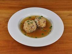 Speckknödel-Suppe
