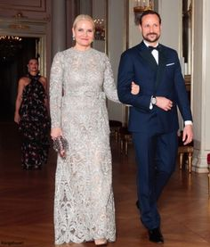 hrhduchesskate: Visit to Norway, February 1-2, 2018-Crown Princess Mette-Marit and Crown Prince Haakon, followed by Princess Märtha Louise