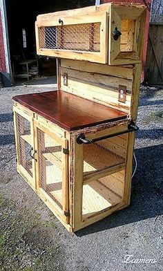 Use Pallet Wood Projects to Create Unique Home Decor Items – Hobby Is My Life Pallet Crafts, Diy Pallet Projects, Wood Crafts, Woodworking Projects, Pallet Ideas, Woodworking Plans, Pallet Furniture, Furniture Projects, Rustic Furniture