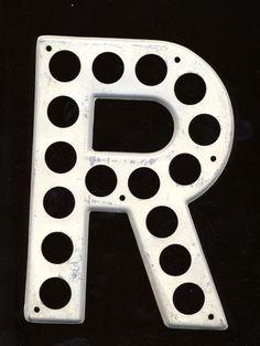 """Vintage Wall Letter Metal Highway Letter Letter """"R"""" Alphabet Letters."""