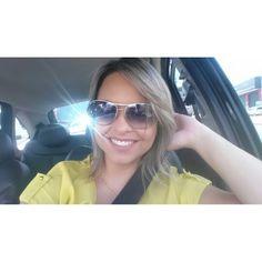{Terça} A foto ja é de manha cedinho só agora consegui postar. Dia longo hoje! Bora trabalhar, muitas reuniões no dia de hoje! Ah pra quem se amarrou nesse batom é o Sissone da @dailuscolor minha cor pro dia-a-dia!    www.charmecharmosa.com    #blogcharmecharmosa #blogger #blog #beauty #beaute #beleza #make #makeup #mua #visage #visagismo #makeupartist #maquiagem #coachparamulheres #woman #women #coach #sissone #batomliquido #lips #neutral #lipstick