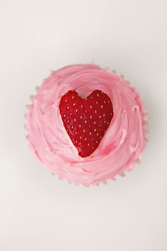 prettiest strawberry cupcakes