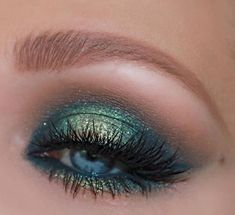 Green Eyeshadow Looks Ideas - Make-up Green Eyeshadow Look, Colorful Eye Makeup, Makeup For Green Eyes, Blue Eye Makeup, Bright Eyeshadow, Simple Eyeshadow, Neutral Eyeshadow, Dark Makeup, Eyeshadow Tips