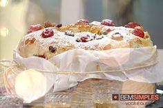 Bolo de reis. Por: Carole Crema. Natal Bem Simples. www.bemsimples.com/br/receitas/75990-bolo-de-reis Carole Crema, Sweet Recipes, Cake Recipes, Camembert Cheese, Cookies, Sweets, Fun Things, Brownies, Christmas Ideas