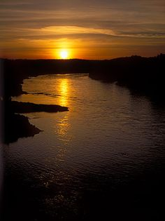 Sunset over the Sacramento River.