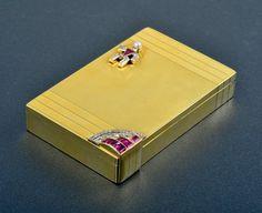 39: Verdura diamond and ruby gold compact : Lot 39