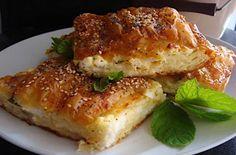 Τυρόπιτα-σουφλέ με φέτα... που κάνει τη διαφορά σε 4 κινήσεις - Γεύση & Συνταγές - Athens magazine Savory Muffins, Salmon Burgers, Lasagna, Feta, Tart, Sandwiches, Recipies, Food And Drink, Dinner
