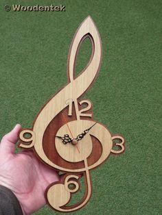 Violinschlüssel Uhr in Holz Spieluhr