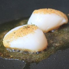 """""""Nothing is easier or more delicious than these @sizzlefishfit Scallops seared in @omgheebutter and seasoned with just the right amount of @flavorgod!! Thank you to the team at @omgheebutter for sharing this simple way to enjoy our Scallops!  _______________________________ ‼You can find all of our perfectly portioned shellfish on our website: www.sizzlefish.com‼"""