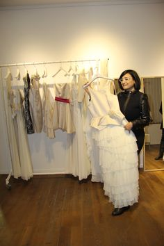 Vestidos de novia exclusivos para ti! disfruta este día te acompañamos a boutiques fantásticas a precios que te alucinaran.