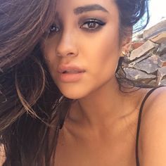 Stunning neutral tones on Shay | Pretty Little Liars Hair and Makeup