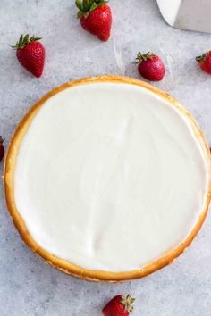 Cheesecake Factory Original Cheesecake Copycat Cheesecake Factory Original Cheesecake Copycat Recipe so you can make it at home anytime you crave it. This is a luxurious and creamy cheesecake with a graham crust and sour cream topping. The Cheesecake Factory, Original Cheesecake Recipe, Classic Cheesecake, Homemade Desserts, Köstliche Desserts, Dessert Recipes, Cake Recipes, Cheesecake Classique, Dessert Design