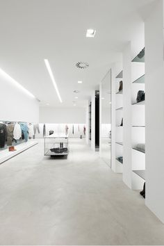 Interior of the Elle fashion store in Italy by Emanuele Svetti _ Dedicated to improve any interior with superior acoustic experience.dk/home Window Display Retail, Window Display Design, Showroom, Visual Merchandising Displays, Retail Store Design, Retail Stores, Retail Interior, Store Displays, Retail Displays