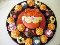 Garfield cake and cupcakes - Scott Garfield Cake, Garfield Birthday, Minion Party, Cat Party, 1st Birthday Themes, 2nd Birthday Parties, Fondant Cupcakes, Cupcake Cakes, Cake Pops