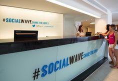 Falls ihr auch im Urlaub nicht genug von #SocialMedia bekommen solltet empfehlen wir das weltweit erste Hotel im Twitterdesign... auf Mallorca ;)