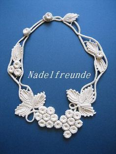 ao with <3 / crochet necklace – Seen on Pinterest, loved and repined by Craftseller.com. #irish #crochet
