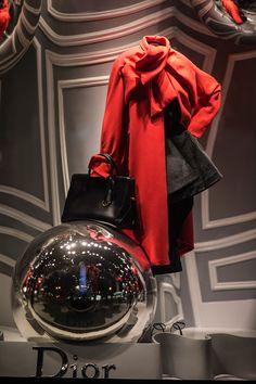 d99e435473ce Saks Dior window display La Quinta Avenida